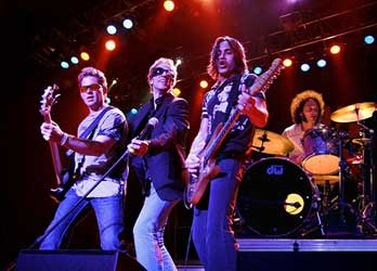 175a6409b672b A week or so back I posted news of Journey s first show for 2008 - in  Chile